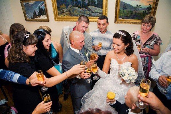 Коллективное поздравление от родственников на свадьбе
