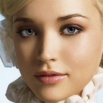 В сезоне 2012-2013 года существуют интересные тенденциив сфере макияжа.  Естественность остается главным трендом...